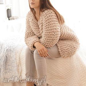 beige chunky - sweter, gruby, chunky, masywny, druty, dziergany