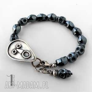 siyah srebrna bransoletka hematytowe czaszki miechunka - metaloplastyka