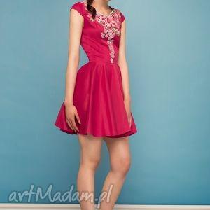 sukienka rozkloszowana z kwiatową koronką am, wesele, studniówka, haft, fuksja, koło