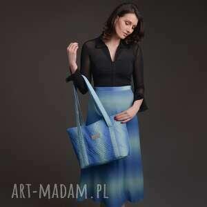 torebka a4 pikowana z materiału w kolorze błękitno-turkusowym