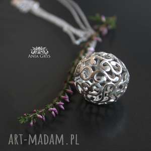 ręczne wykonanie wisiorki srebrna, ażurowa kula