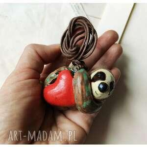 handmade wisiorki wisior leniwiec z sercem