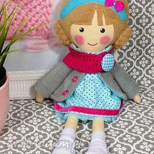 Prezent MALOWANA LALA NINA Z WEŁNIANYM SZALIKIEM, lalka, zabawka, przytulanka
