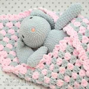 handmade pokoik dziecka milutki różowo-szary kocyk