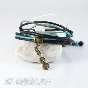 ręcznie wykonane bransoletki bransoletka - skrzypce, turkus - rzemienie, skórzana, sznurki