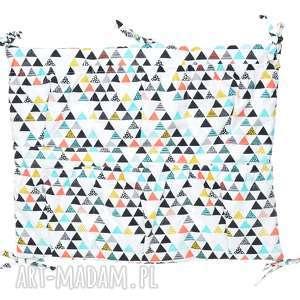 handmade pokoik dziecka organizer do łóżeczka kolorowe trójkąty