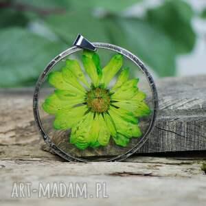 naszyjniki naszyjnik z żywicy zielonym kwiatem z97, biżuteria