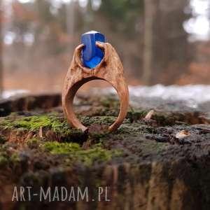 drewniany pierścień lączony z żywicą druids ring, organiczny, boho, las, natura