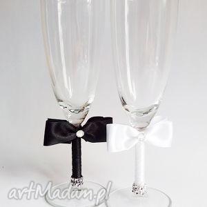kieliszki młodej pary czarno białe 2 sztuki, kieliszki, szampanówki, tasiemki