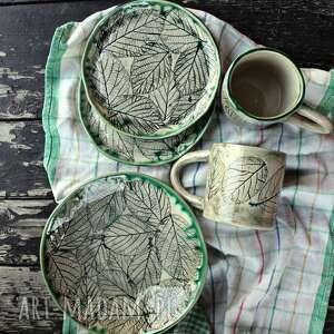zestaw naczyń, kubki, talerze, miska leśna jeżyna, kubek, naczyń