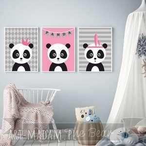 zestaw plakatÓw dla dzieci trzy pandy a4 - obrazek, plakat, pandy, różowy