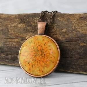 medalion z prawdziwym kwiatem w miedzi, kwiat, suszony, kaboszon, żywica, prezent