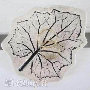 ceramika malutki listek na biżuterię, fusetka, ceramiczny, talerzyk, roślinny