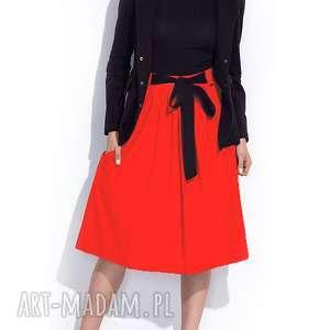Czerwona spódnica z kokardą midi za kolano, midi, casual, trapezowa, wygodna