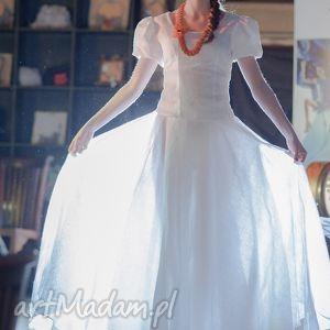 spódnice biała,lniana z koła-folk, len, słowiański, eko, pokaz, moda, esterka ubrania