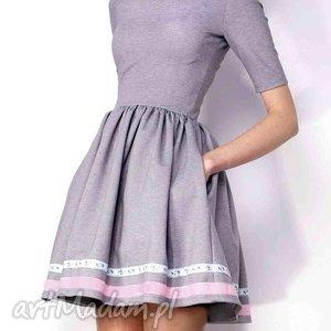 rozkloszowana sukienka z kieszeniami, sukienka, kieszenie, potpourri