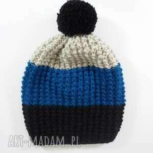 czapki trójkolorowa czapka z pomponem, czapka, paski, pompon, akryl