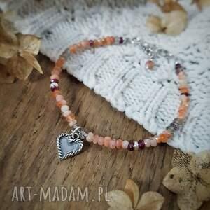 bransoletka z zawieszką serce w brzoskwiniach, charms, serce, walentynki