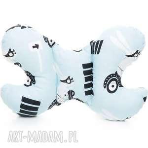 poduszka podróżna motylek motyl królik na skuterze biały