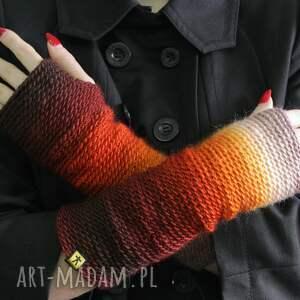 mitenki w ognistych barwach rękawiczki cieniowane wiosenne, jesienne kobiece