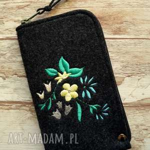 Prezent Filcowe etui na telefon - kwiaty, kwiatki, smartfon, pokrowiec, koraliki