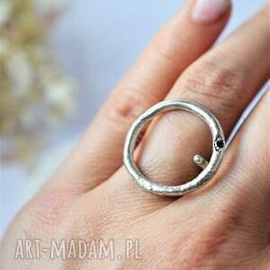 geometryczny pierścionek, srebrny pierścionek