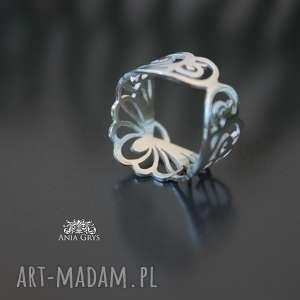 ażurowy pierścionek, obrączka, srebrny, ażurowy, opencut