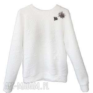 Biała Bluza z broszkami White Wild, bluza, sportowa-bluza