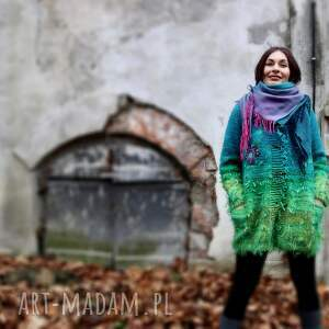 sweter turkusowy wełniany z haftowanym kwiatkiem, folk, sweter