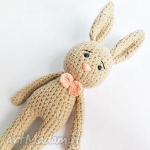 Królik Tadeusz, króliczek, zajączek, maskotka, wełna, zabawka