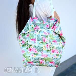 na ramię duża torba i plażę w różówe flemingi, ramię, torebka