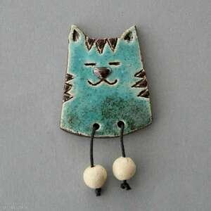 hand-made pomysł na świąteczne prezenty leniuszek-broszka ceramiczna