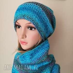 ręcznie zrobione czapki w turkusach komplet