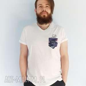 pod choinkę prezent, t-shirt spaced out xl, kosmos, astronauta, kieszonka, haft