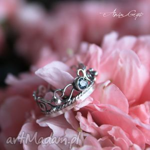 pierścionki pierścionek szafirowy, topaz, srebro, ażur, oksydowany