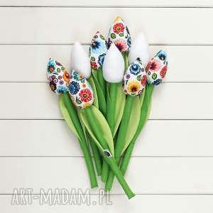 tulipany kolorowy bawełniany bukiet, łowicki na białym tle, motyw
