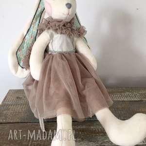 Króliś, maskotka-królik, królik-zabawka, królik-przytulanka