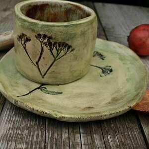 kubek i talerzyk krwawnik, kubek, talerzyk, do kawy, herbata, zestaw naczyń