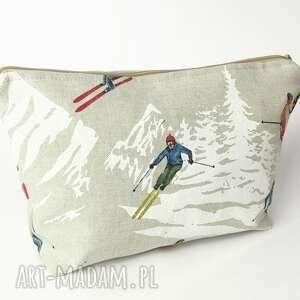 kosmetyczki narciarze, narty, narciarz, kosmetyczka, podróżna, las