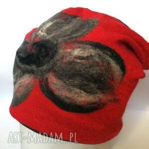 czapka wełniana damska czerwień z kwiatem - wełna, zima, czapka, narty, etno