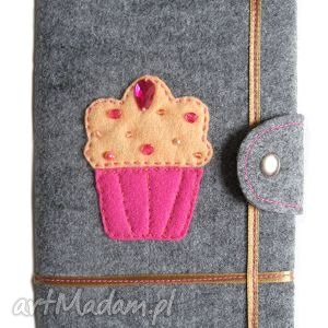 Okładka z muffinkiem - ,muffin,muffinek,okładka,notes,cyrkonie,
