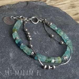 bransoletka srebrna ze szkłem afgańskim, metaloplastyka, srebro oksydowane, szkło