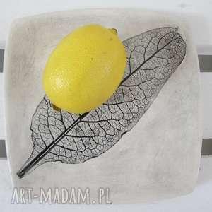 talerzyk z roślinką - ,ceramiczny,appetizer,podstawka,pod,świeczkę,talerz,