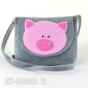 green sheep torebka dla dziewczynki - różowa świnka na szarym, filc, filcowa