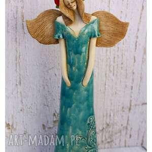 anioł w turkusowej sukni z wianuszkiem, ceramika, anioł, wianek, kwiaty