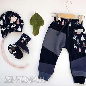 hand-made pomysł na upominki na święta baby shower set jelonki ii (spodnie czapka bambosze)