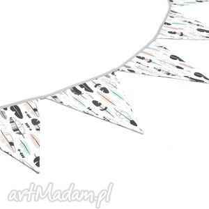 ręczne wykonanie dla dziecka girlanda proporczyki chorągiewki 160 cm pastelowe piórka