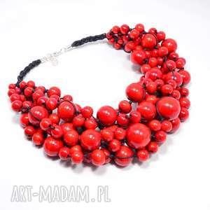 czerwone korale, obfita kolia drewniana w stali szlachetnej, korale