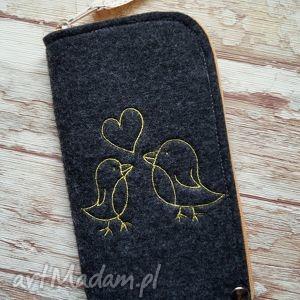 filcowe etui na telefon z haftem - ptaszki, etui, haftowane