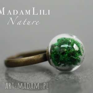 """""""Leśny mech"""" Brązowy pierścionek, mech, natura, zieleń, kula, szklana, brąz"""